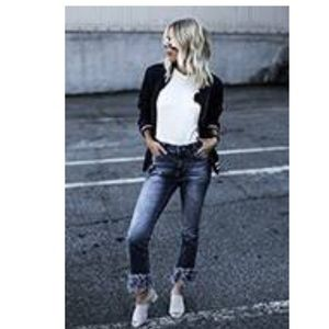 Frayed mid rise jeans